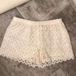 💥 2 for $20 NWOT White Lace Shorts